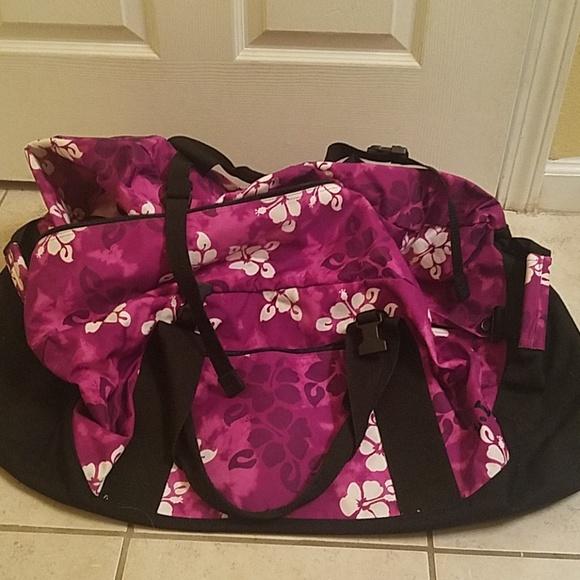 L.L. Bean Handbags - L.L. Bean extra large duffle bag suitcase 317d3671e91af